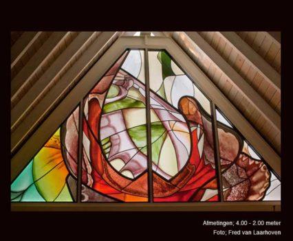 Vlinderraam. Speciale Projecten, glas in lood en brandschilderen. Afmetingen; 400x100cm Ontwerp en uitvoering i.o.v. particulier.